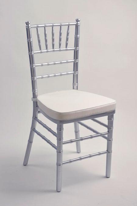 Sedie banqueting sedia chiavarina in legno argento for Sedie costo