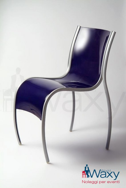 sedia kartell mod. FPE in polipropilene colorato in massa blu